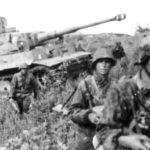 Bundesarchiv_Bild_101III-Zschaeckel-206-35__Schlacht_um_Kursk__Panzer_VI__Tiger_I_.jpg