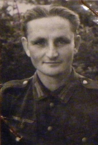 HEINRICH_Robert_portrait.jpg
